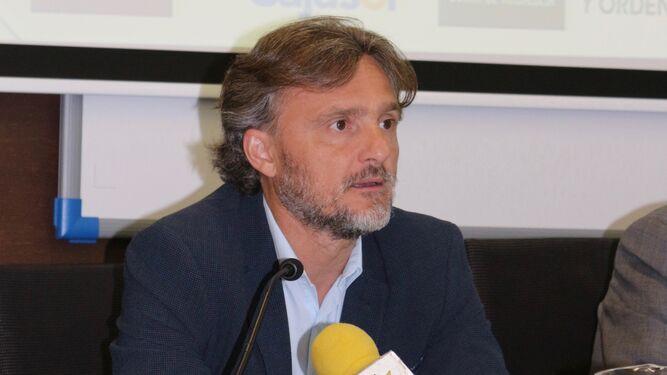 José Fiscal, durante su conferencia en Carmona.