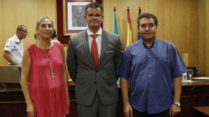 Muñoz, junto a los portavoces del PP y del PA.