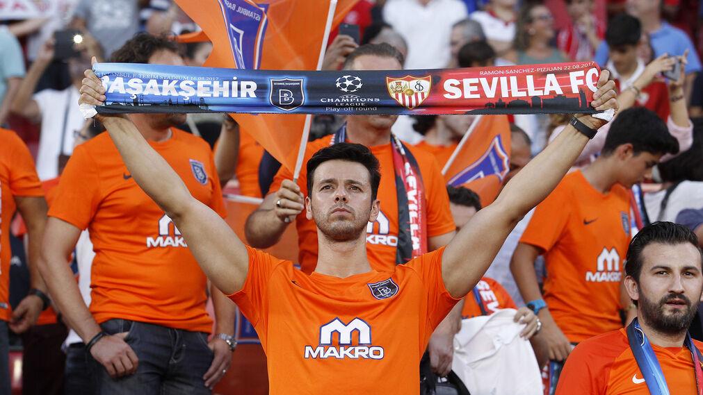 Las imágenes del Sevilla-Basaksehir