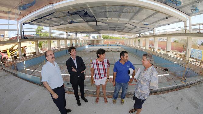La piscina del tiro de l nea estar lista a finales de 2017 for Piscinas imd sevilla