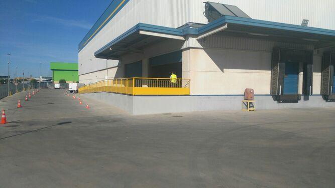 f2dabc372 El gigante Amazon abre en La Negrilla su primer centro logístico de ...