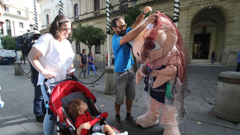 La tortuga Chelo del Acuario de Sevilla da comienzo a una acción de concienciación para difundir la cultura oceánica