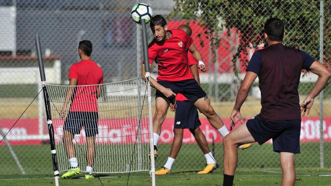 Carlos Sainz camina derecho a RenaultEscudero, distinción desde la humildad   El 'Durant blanco' honra su nuevo escudo