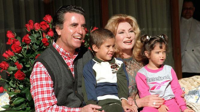 Judit Mascó adoptó en 2003 a su hija Romita en Haití.