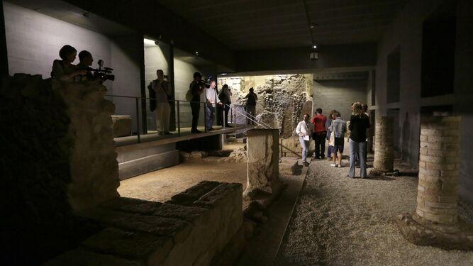 Patrimonio   Real Alcázar Cripta del Patio de Banderas: Un