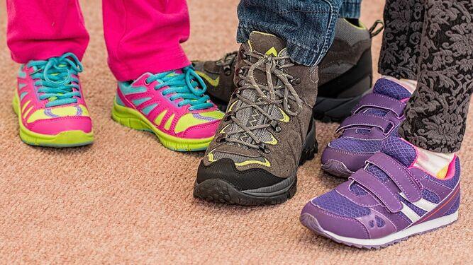 5ed26e9618 Es importante que los zapatos tengan sujeción (hebillas