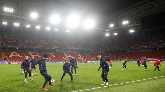 Entrenamiento del Sevilla en el Otkrytie Arena