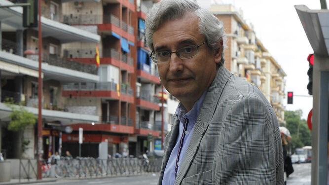 José Julio Cabanillas, en Virgen de Luján, durante un momento de la entrevista.