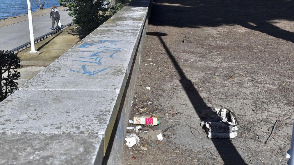 Desperfectos en el entorno del río