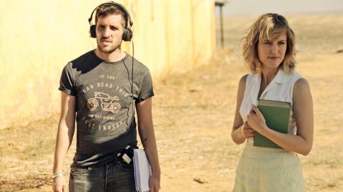 El director Jota Linares, con Natalia de Molina.