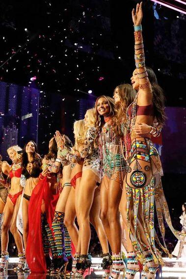 Victoria´s Secret - Victoria's Secret Fashion Show 2017