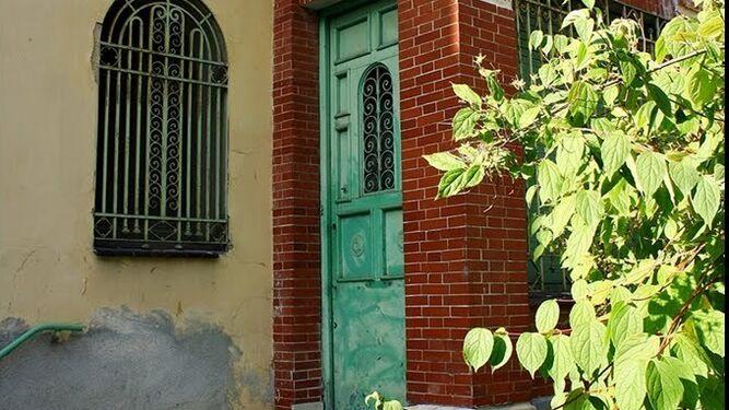 La puerta principal de esta casa en la que el autor se instaló en 1927.