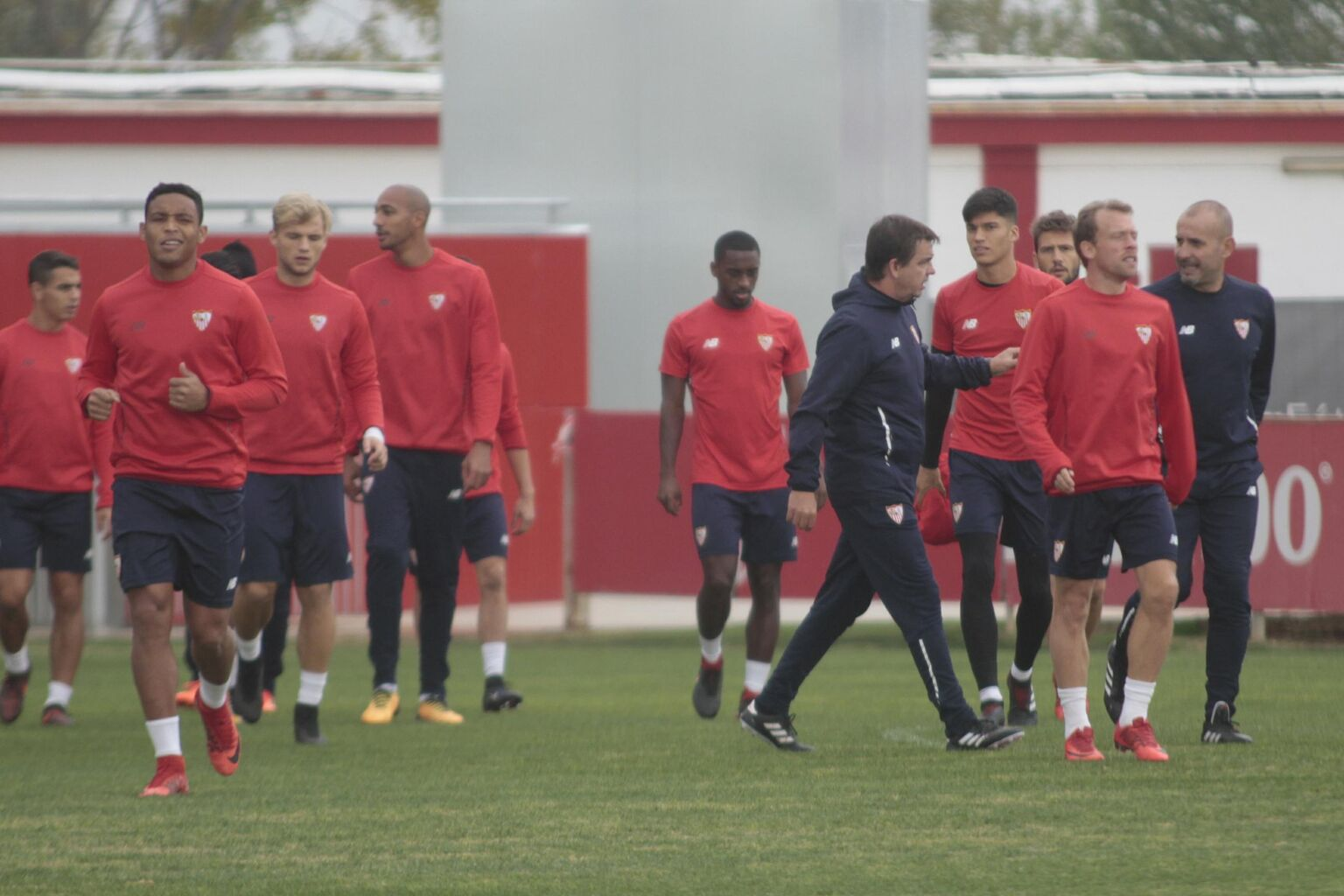 El Sevilla afronta la Copa sin ni un solo defensa central