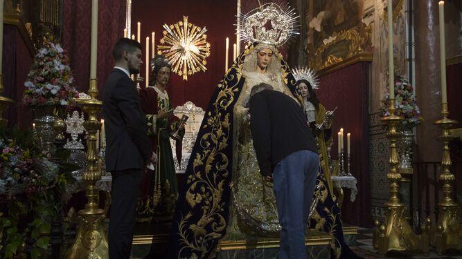 Besamanos de la Virgen del Rocío.