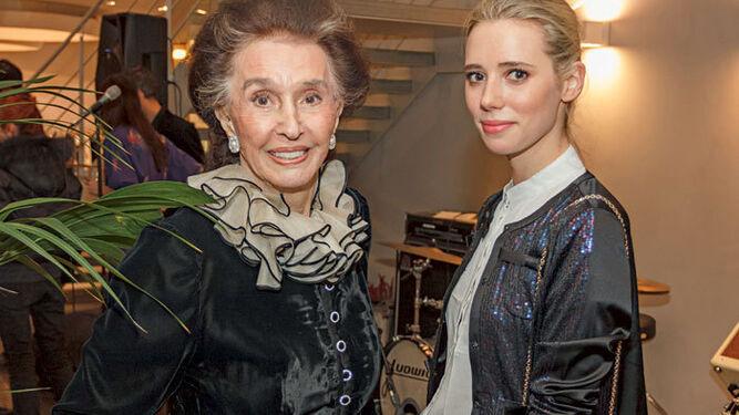 Con su nieta, la 'it girl' Lulu Figueroa Domecq.
