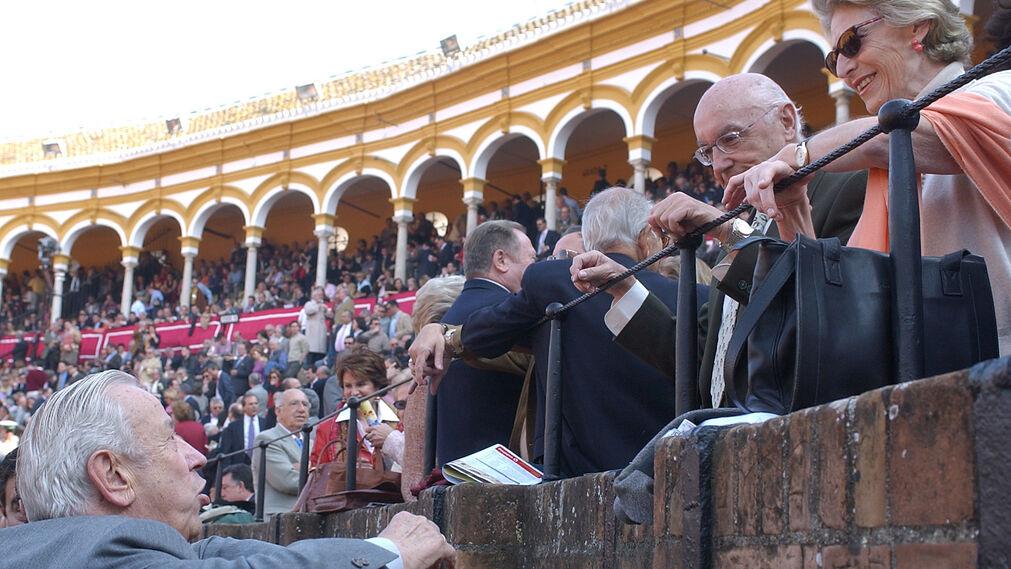 Manuel Olivencia, en la Maestranza de Sevilla