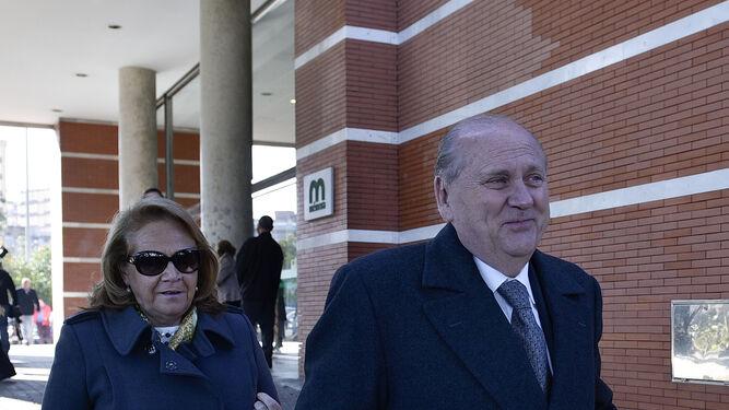 Concha Yoldi, presidenta de la Fundación Persán,  y José Moya Sanabria, presidente de Persán.
