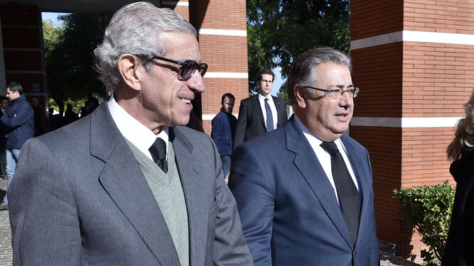 El presidente de la Fundación Unicaja, Braulio Medel, y el ministro del Interior, Juan Ignacio Zoido.