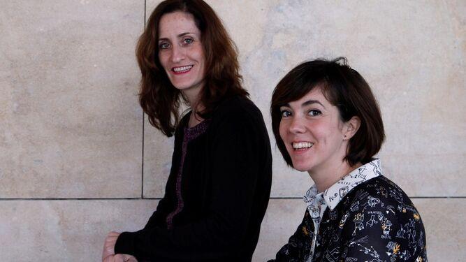 Laura Gómez-Lacueva y Carmen Barrantes, ayer en el Teatro Central.