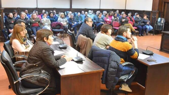 Reunión de colectivos y asociaciones que se celebró el lunes en el Ayuntamiento de Pedrera.