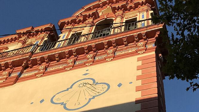 Reloj solar en el Bellas Artes.