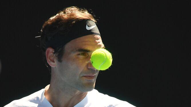 Australia, el país del tenis y las floresFederer hipnotiza a su bola amiga Piano, piano... en busca de un paso más