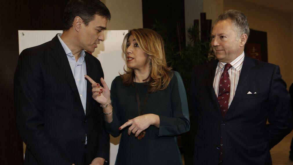 Susana Díaz y Pedro Sánchez con José Joly
