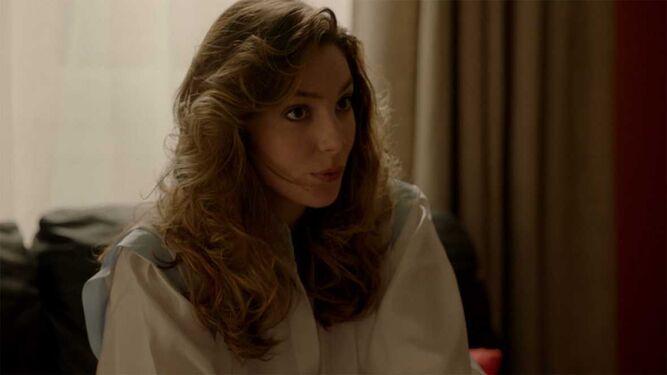 Deborah Stern/ Paloma Bloyd: La pareja británica de Toni tiene problemas para llevarse bien con su cuñada y su carácter le pasa factura