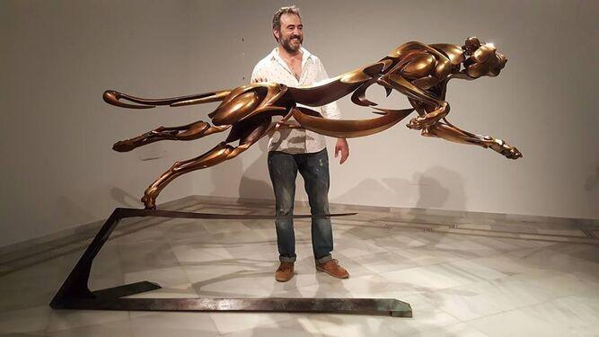 El escultor Chiqui Díaz.