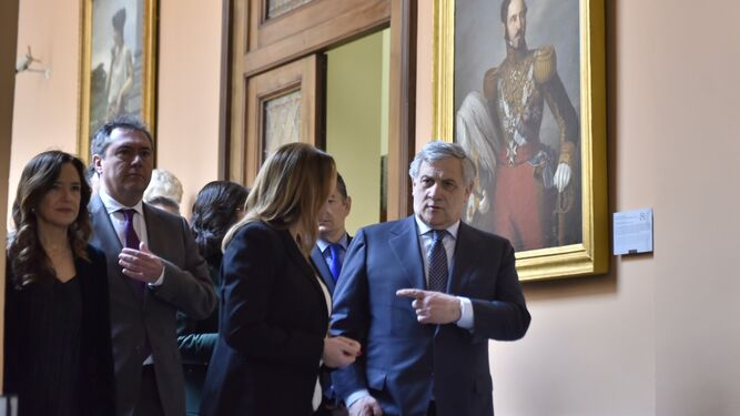 Tajani junto a Díaz y Espadas./ Juan Carlos Vázquez