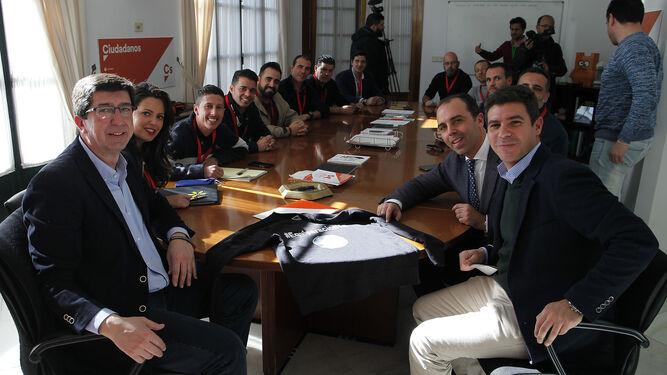 Reunión de policías y guardias civiles con Ciudadanos.