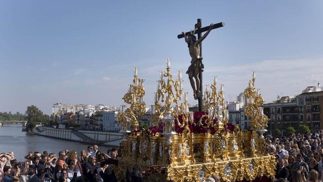Paso actual del Cristo del Cachorro realizado por Guzmán Bejarano en 1996