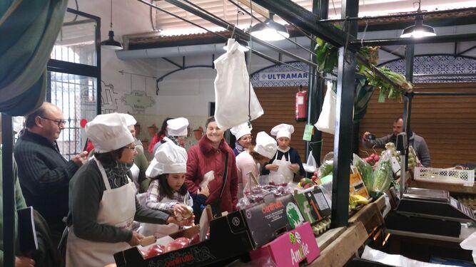 Los ingredientes para realizar los platos se compraron en la plaza de abastos de la localidad.