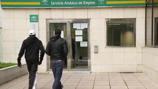 El desempleo andaluz crece en parados en febrero for Oficina del sae