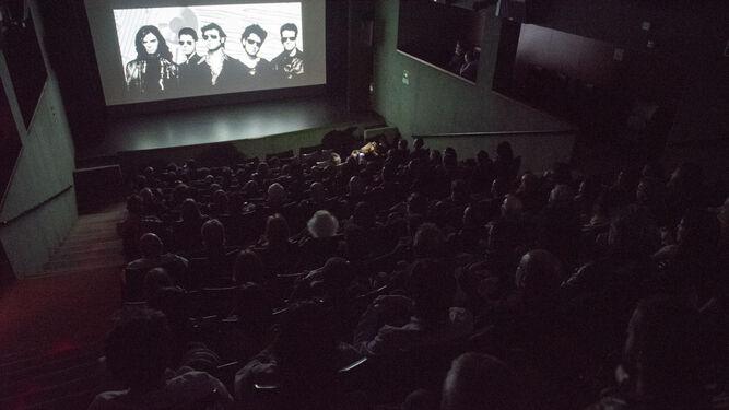 La Biblioteca de Andalucía llena durante la proyección del documental 'Qué  fue del siglo XX'.