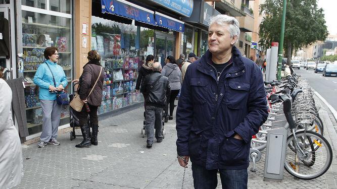 Juan Miguel Vega, vecino de la calle
