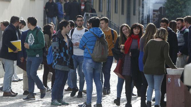 Menos de un tercio de los universitarios aprueban la carrera en cuatro años