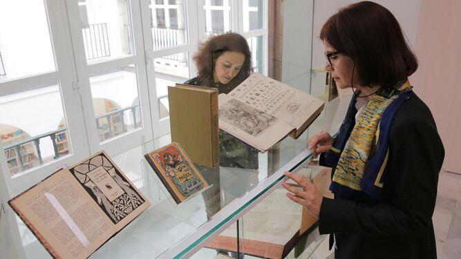 La exposición, denominada 'Mujeres', también está abierta a personal investigador externo hasta el 2 de mayo.