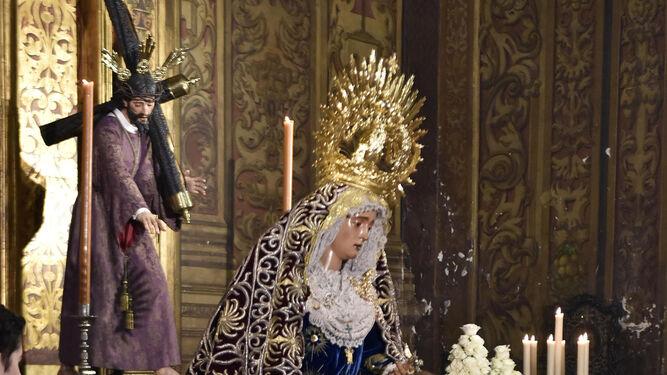 Besamanos a la Virgen en Laraña y Triana