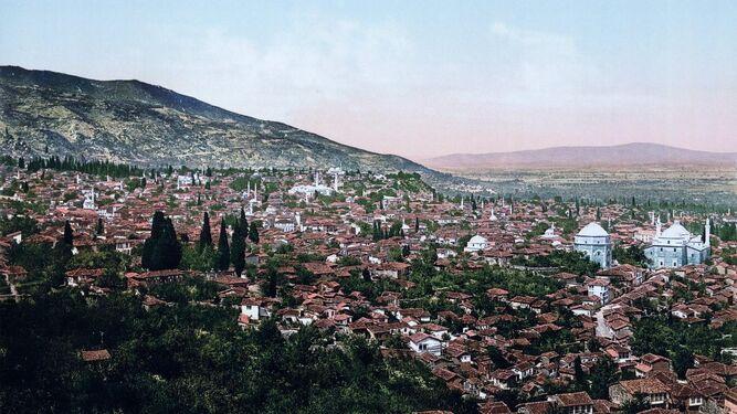 Una imagen de Bursa, ciudad del noroeste de Turquía y uno de los lugares que describe Tanpinar, tomada en 1890.
