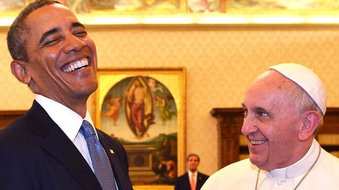 Obama, presidente de EEUU, se ríe con Bergoglio en marzo de 2014.
