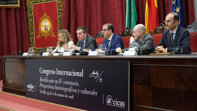 Imagen de la apertura del congreso con presencia de autoridades y especialistas.