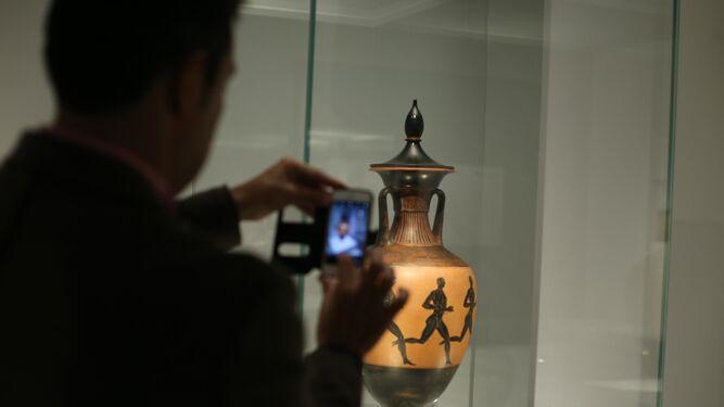 Una vasija de aceite con la que se reconocía a los ganadores de las olimpiadas.
