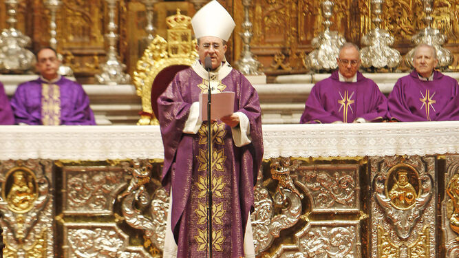 El arzobispo, monseñor Asenjo, durante la homilía.