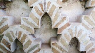 Perfección del trazado geométrico de la sebka simple y calidad excepcional de la fábrica.