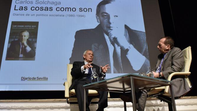 El presidente de la Fundación Cajasol, Antonio Pulido, durante su salutación a los asistentes.