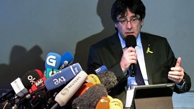 Puigdemont, durante la rueda de prensa que ha ofrecido en Berlín.
