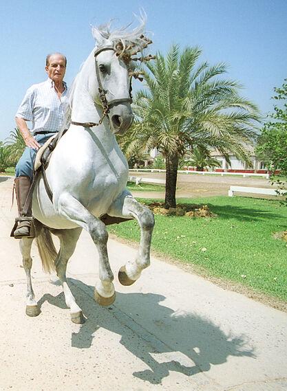 Ángel Peralta, montando en el Rancho el Rocío en septiembre de 2000.
