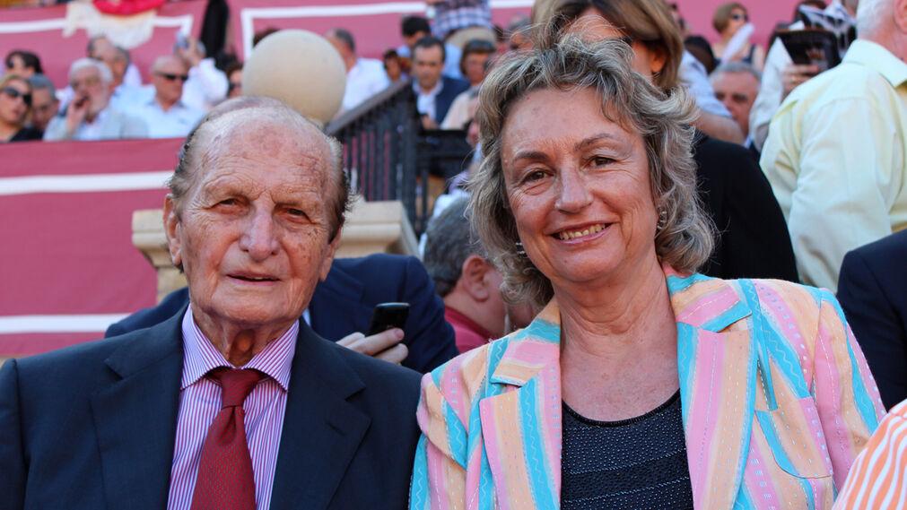 Junto a su esposa, María Encarnación Rizo.