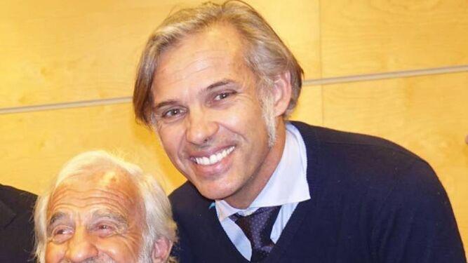 Con su primogénito, Jean-Paul.